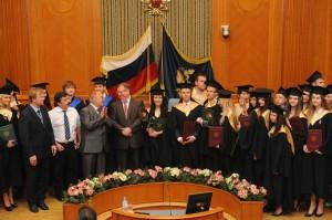 Вручение дипломов выпускникам Высшей школы государственного аудита МГУ 2013 года (5)